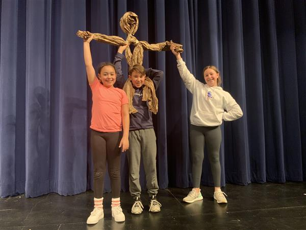 WMS Drama Students Bring Craft Paper to Life