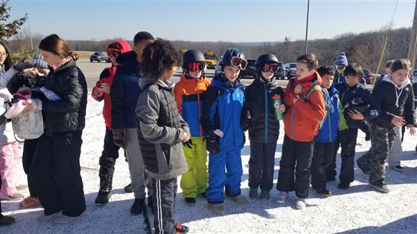 MER Fifth Graders Take their Learning to the Slopes